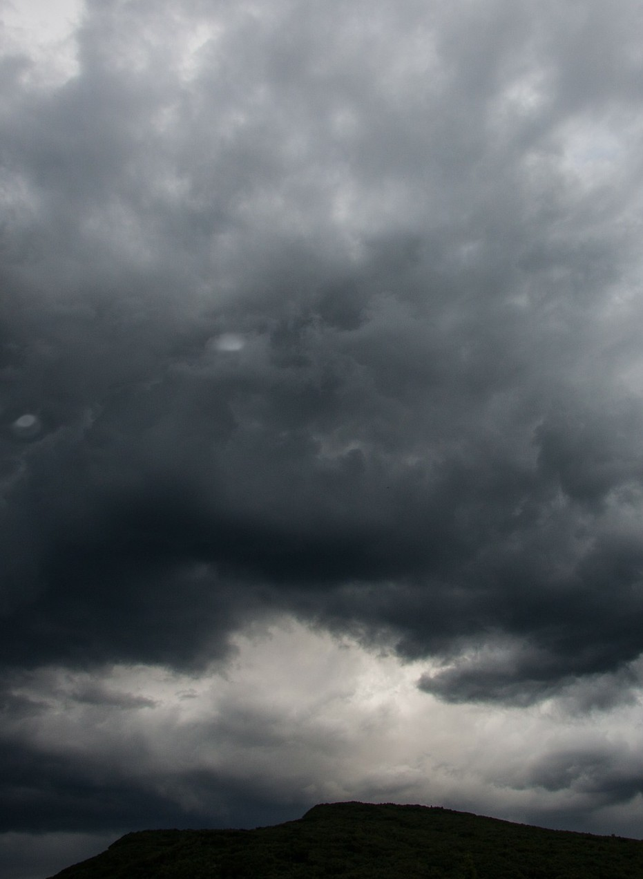 cloud-mood-143357_1920